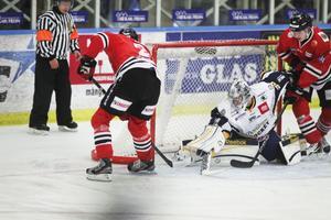 Jonas Lönn höll sig framme och lirkade in 1–1-målet.