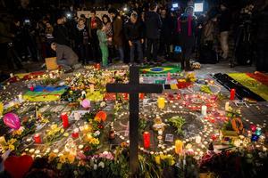 Internationella medier skildrade både terrordåden och sorgen.