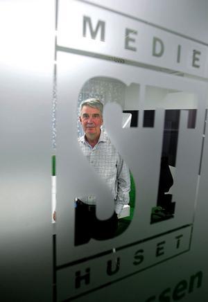Under Kjell Carnbros 22 år som chefredaktör har ST förvandlats från enbart en papperstidning i stort format till ett mediehus med tidning i tabloidformat, en aktiv webb, radio och webb-tv.