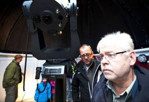 Amatörastronomen Ulf Jonsson, från Luleå, ska hjälpa till att finjustera tekniken på observatoriet.