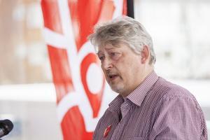Roger Berglund från Pappers avd. 68 talade även han i Hallstavik.