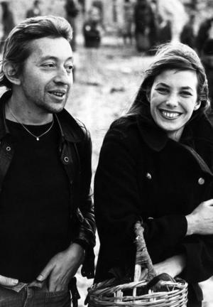 """Originalet. Serge Gainsbourg med sin kärlek Jane Birkin som han gjorde skandal- och succélåten """"Je t'aime... moi non plus"""" med. De två har dottern Charlotte Gainsbourg som senast spelade huvudrollen i Lars von Triers """"Antichrist"""". Foto: BONNIERS"""