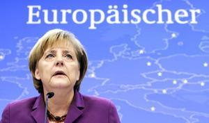 Fördragsändring. Angela Merkel fick med sig EU-länderna på att det ska genomföras en begränsad fördragsändring. Fast vad händer om även länder som Malta, Rumänien eller Sverige vill rota i fördraget? Arkivbild: Yves Logghe/Scanpix-AP