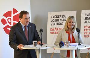 EU-Valet närmar sig. Partiledare Stefan Löfven och Marita Ulvskog, förstanamn i EU-valet, presenterar Socialdemokratrenas valmanifest.  Foto: Anders Wiklund / TT /