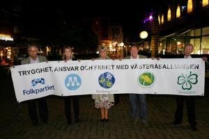 Det var då. Dåvarande Västeråsalliansen firar valsegern 2006.