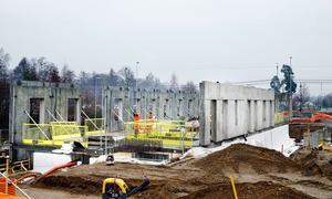I gång. Bygget av den blivande vårdcentralen är i gång.