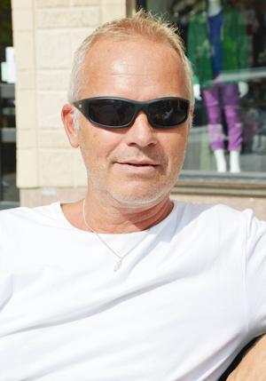 Stefan Hansson, 50 +, datatekniker, Sundsvall   – Absolut, det har jag väntat på i 20 år nu. Det borde ingå i kollektivtrafiken. Det bästa vore om den gick från sporthallen och om man kunde ta med cykeln så jag slapp cykla hem, haha.