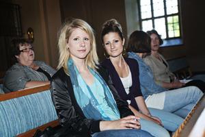 – Vi älskar klassisk musik och musik överhuvud taget, säger Maja Ahlberg som gick till Ockelbo kyrka med systern Lisa.