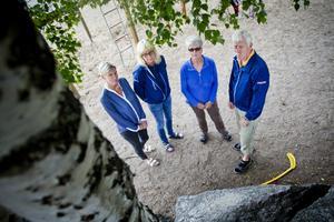 Utsliten personal. Helena Spennare, Åsa Boberg, Lena Bäckius och Stig Lundström upplever alla att de inte räcker till.