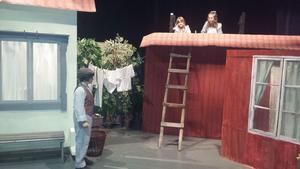 Från repetitionerna av föreställningen Madicken.
