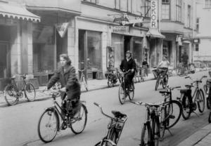 Hultmans salong har anor från 1864. På den här bilden från 50-talet skymtar salongen till vänster.
