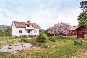 Gård med 5,3 hektar sammanhängande markareal. Foto: Kristofer Skogh/Husfoto