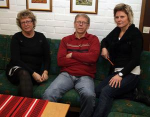Tre lärare vid Sörbergeskolan som kan förmedla den oro alla inom skolan i Timrå känner. Mait Ingvarsson, Per-Olof Söderkvist och Ann-Louise Höglund-Kårberg.