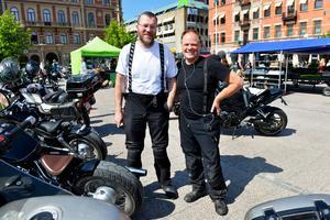 Henrik Åström och Björn Nordqvist från arrangerande SMCC, Sundsvalls motor cycle club.