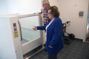I varje hus finns en hiss. En förutsättning för att Yvonne skulle kunna välja sin drömlägenhet på andra våningen.