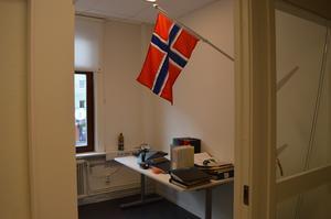 En norsk flagga pryder ett av de rum som ännu håller på att inredas på Norconsults kontor i Borlänge. Norconsult är i grunden en norsk storkoncern.