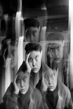 Stress, utbrändhet.Arrangerad. Person exponerad flera gånger. Håller sig för panna i uppgivenhet.Foto: Lars Pehrson/SCANPIX