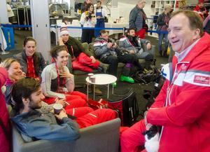 De omkring 1500 volontärerna på alpina VM fick tillfällig förstärkning av statsminister Stefan Löfven (S) på tisdagen. Statsministern var mycket imponerad av VM.