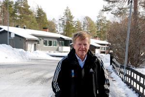 Från hösten 1966 har Pekka varit en färgstark och omtyckt lärare vid Wargentinskolan, Palmcrantzskolan, Mittuniversitetet, Dille Naturbruksgymnasium och nu Friggaskolan.