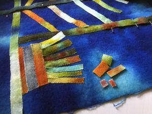 Varenda liten tyglapp kommer till användning förr eller senare i olika textila bilder.