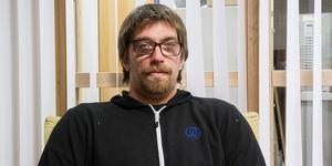 Andreas Carlsson bor intill brottsplatsen vid Kolgillaregatan/Prästgatan.