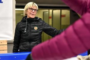 Sonja Sys får en gång om året bli luciamorsa till de sju kandidaterna.