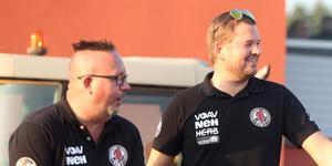 Indianernas lagledare Kai Salonen och Peter Johansson var på väg mot en skrattmatch efter åtta heat, men sedan tajtade första kvartsfinalen mot Västervik till sig rejält.