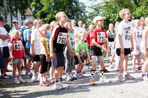 Uppvärmning inför 2,5 kilometersloppet. Foto: Mattias Hansson