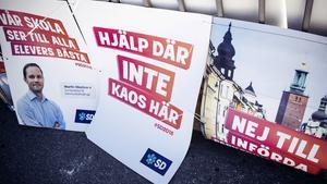 Valaffischer från Sverigedemokraterna. Foto: Erik Simander / TT