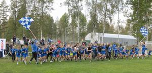 Cirka 80 personer deltog i sponsorloppet. Foto: Bengt Moberg.