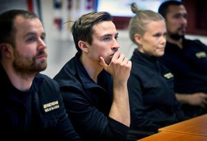 En hel dags utbildning om att arbeta och rädda liv i samband med ett terrordåd. Från vänster Nicklas Backman, Anton Eriksson, Emelie Lahti och Jairo Hincapie.
