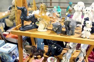 Djurprydnader. Många samlar på prydnadsföremål som föreställer olika djur.