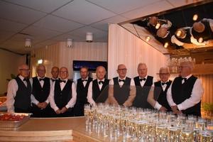 Servitörerna från SPF:s 75 års fest. Saknar Dan, Lennart och Stig på fotot.