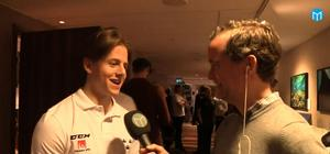 Modos Jesper Sellgren intervjuas innan resan till JVM. Bild: Mittmedia.