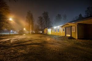 Filadelfiaförsamlingens gula församlingshus utanför Knutby är sedan länge nedlagt och övergivet Foto: Staffan Löwstedt/TT