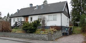 Lostigen 13 i Köping har bytt ägare för 2 475 000 kronor.