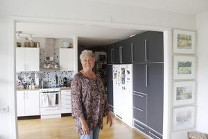 Suzanne Olofgörs har låtit öppningen mellan kök och vardagsrum bli större.