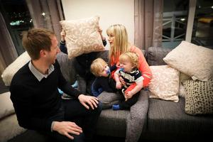Graham Potter med barnen och Rachel. Foto: Susanne Kvarnlöf.