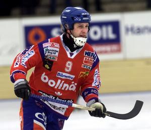 Patrik Larsson var under 19 säsonger en populär och vass profil i Bollnäs GIF – som spelade i tröja nummer 9...