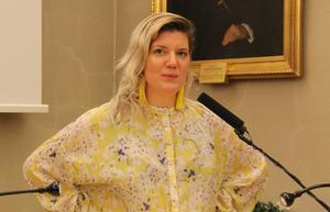 Angelica Andersson ser kritiken från SD som en komplimang.