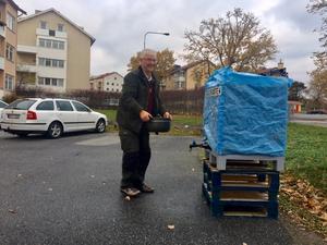 Nynäshamnaren Anders Örbom hämtade vatten från vattentanken.