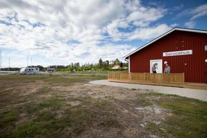 Med nybyggt servicehus hoppas Mellanfjärdens fiskehamsförening locka turister till Nordanstig.