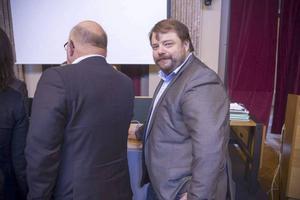 Sverigedemokraterna har röstat med Alliansen i fyra av fem omröstningar i omvårdnadsnämnden i Gävle. På bilden Sverigedemokraternas kommunalråd i opposition, Richard Carlsson.