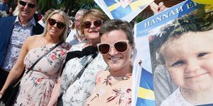 Lars Olsson (bonuspappa), Natalie Olsson (bonussyskon), Per-Arne Persson (morfar), Gun Persson (mormor) och Susanne Eriksson (mamma) var på plats på Widenska för att se William Eriksson ta studenten. Strax därpå var det dags att fira tvillingsystern Hannah – på Carlforsska.