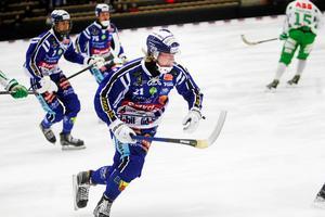 Axel Ekholm under en match i World cup i början av oktober – efter det drabbades han av körtelfebern och tvingades vila två månader.