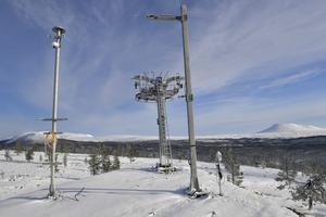 På toppstationen på Himmelfjäll är allt klart och inom kort kommer också vajern på plats