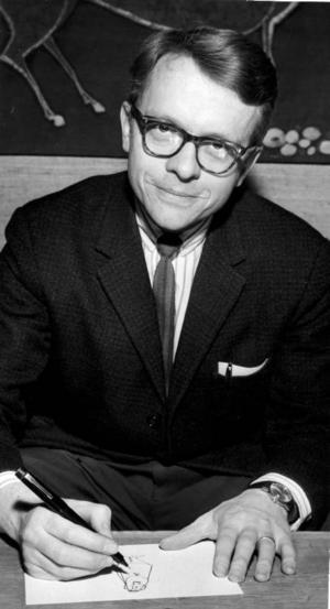 STRECKGUBBE. Staffan Lindén i full färd att producera en stolle till Svenska Dagbladet. Året är 1966, på den tiden arbetade han fortfarande som språklärare på läroverket i Gävle. Samtidigt producerade han varje vecka omkring tio teckningar till olika tidningar och tidskrifter.