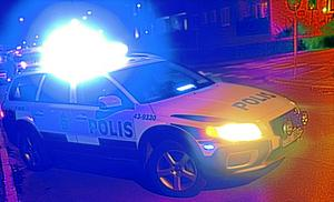 Polisen fick göra flera utryckningar till Skara i natt.