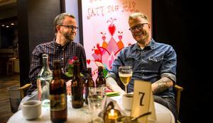 """""""Det är en jätterolig bokning till ett sådant här litet ställe"""", säger Sundsvallsbon Johan Skoglund som var på spelningen med kompisen Patrik Jonsson."""