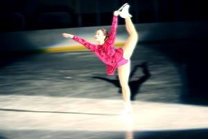 Lisa Mitazaki, hjälpcoach och tävlingsåkare, hade flera fina resultat åren 16/17 där hon var etta i Geflepiruetten, Brinkaskäret, Ljusnanskäret, Leksandspiruetten och Siljanspiruetten i sin grupp.